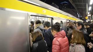 getlinkyoutube.com-【総武線】地獄の帰宅ラッシュ Rush hour trains. Japan,Tokyo,Akihabara station.