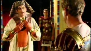 getlinkyoutube.com-The Cleopatras (1983) Episode 6