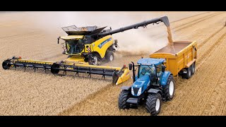 getlinkyoutube.com-New Holland CR10.90 combine Guinness World Records attempt