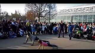 getlinkyoutube.com-Уличные танцы. Девочка молодец, не растерялась) Франция, Диснейленд. France, Disneyland