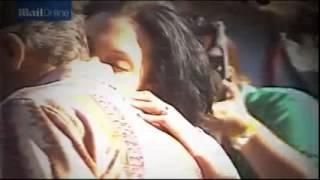 getlinkyoutube.com-Angelina Jolie kisses Billy Bob Thornton on red carpet back in 2000