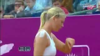 لحظة سقوط الحسناء ماريا شارابوفا Maria Sharapova Falls Down HD