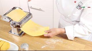Homemade fresh pasta with Marcato Atlas 150 Classic - Video tutorial