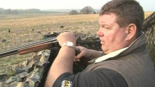 getlinkyoutube.com-George Digweed shoots crows in Sussex