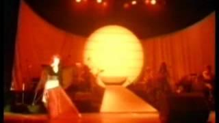 getlinkyoutube.com-Kate Bush In Concert ( German Tv documentary )