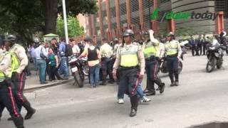 getlinkyoutube.com-Malandros se apoderan de Caracas-Venezuela