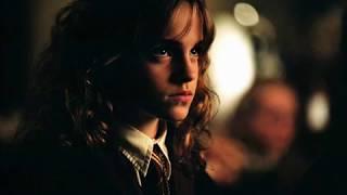 getlinkyoutube.com-Emma Watson Picture slide show