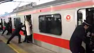 Tokyo Subway Pushers: Every Morning...