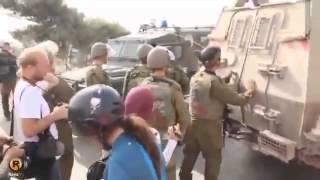 getlinkyoutube.com-Gadis Ini Dipuji Karena Berani Tonjok Tentara Israel