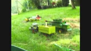 getlinkyoutube.com-Dreschen im Garten