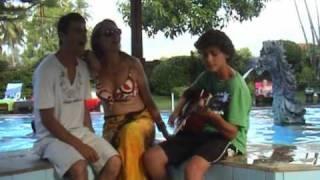 getlinkyoutube.com-Bali beach boys (+ girl)