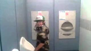 getlinkyoutube.com-Bars and Melody: Leondre Devries pursued by the paparazzi