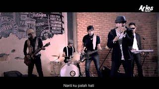 getlinkyoutube.com-Sanny - Sayang Janganlah Pergi (Official Music Video)