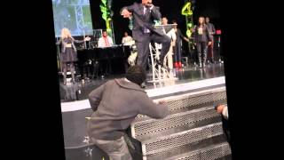getlinkyoutube.com-Prophet Todd Hall, Soul Winners Praise Break!