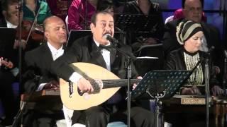 """getlinkyoutube.com-لطفي بوشناق يبكي إثر آداء أغنية """"أنا مواطن"""""""