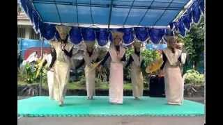 "getlinkyoutube.com-Tari Kreasi Minangkabau ""Dendang Basamo"""