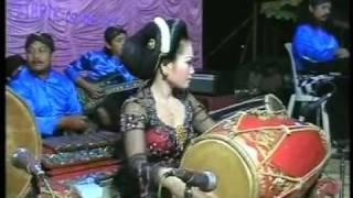 Pandurat,Ririk,(kendang cewek),by.Campursari Tokek Sekarmayang(call:+628122598859)