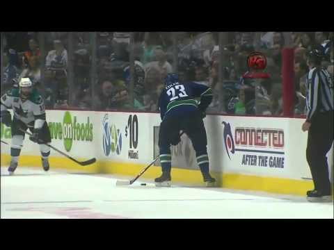 Kevin Bieksa 2OT game-winner, series clincher (VS) 5/24/11