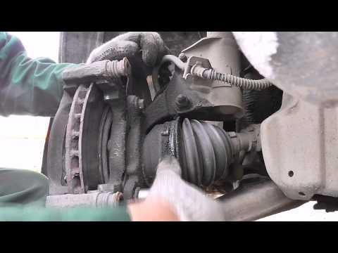 Замена тормозного диска передняя ось Volvo S40 (2000г)