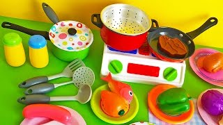 getlinkyoutube.com-Soup cooking kitchen toy vegetables stove pots pans frying pan learn cooking colors shapes