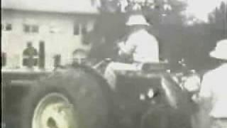 getlinkyoutube.com-Antique John Deere Tractor