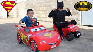 getlinkyoutube.com-Disney Cars Lightning McQueen Kids Ride On Epic Race With Batman and Superman Ckn Toys