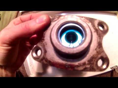 Снятие и ремонт ГТЦ Toyota MODEL F. (Town Ace, Lite Ace)Главный тормозной цилиндр.