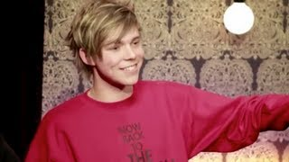 getlinkyoutube.com-Ashton Irwin being inhumanly cute.