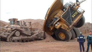 getlinkyoutube.com-BelAZ and Komatsu - Death of the Titans. БелАЗы и Комацу - Смерть Титанов