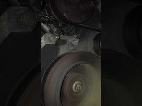 Стук открутившегося шкива на помпе Lincoln navigator