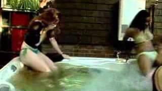 getlinkyoutube.com-Cagando na banheira (Big Brother - USA)