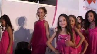 getlinkyoutube.com-Dans les coulisses des Mini Miss Réunion 2011