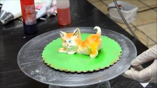 getlinkyoutube.com-Decorating Cat from Cream - Whipped cream Cat - Eatable Cat in icing