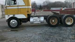 getlinkyoutube.com-1969 Peterbilt 352   \m/ CABOVERS RULE \m/