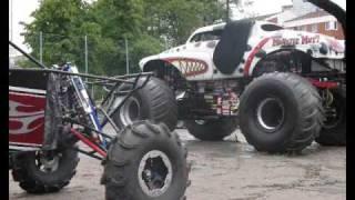 getlinkyoutube.com-My buggy at monsterjam show