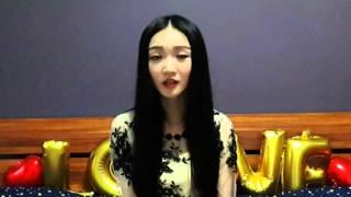 китаянка учит русский язык