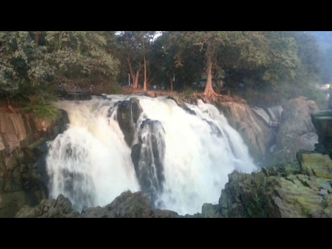 Shivanasamudra - GaganaChukki and BharaChukki Falls (India's Second Largest Natural Waterfalls) (HD)