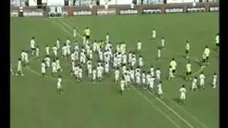 getlinkyoutube.com-مباراة بين لاعبي ريال مدريد ضد 100 طفل صيني