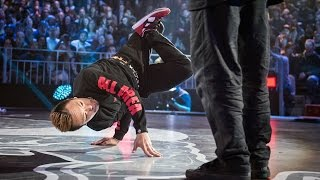 getlinkyoutube.com-Luan vs Taisuke - Battle 7 - Red Bull BC One World Final 2014 Paris