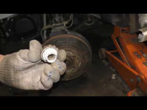 Как и чем открутить гайку ступицы на VW Polo Sedan и Skoda Rapid