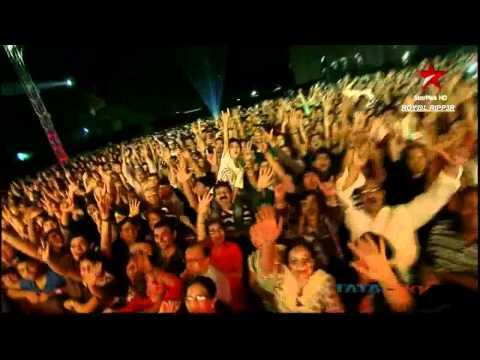 Sadda Haq Live (HD) @ Rockstar Concert Mumbai- A R Rahman, Ranbir Kapoor-November 2011 -YUjRi17CHuA
