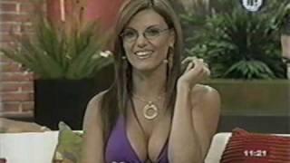 getlinkyoutube.com-MariTere Alessandri con Lentes Bien Sexy