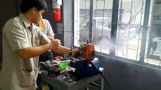 getlinkyoutube.com-การสตาร์เครื่องตัดหญ้าแบบถูกวิธี