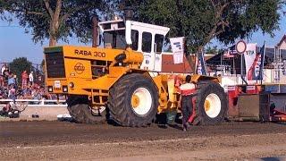 getlinkyoutube.com-RÁBA 300 vs. KIROVETS K701 Pulling | Mitas Tractor Pulling Hajdúböszörmény 2016