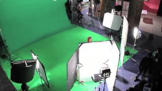 getlinkyoutube.com-Tutorial on Cinematography - How to light a green/blue screen for perfect chroma key