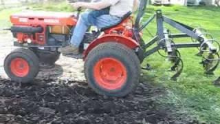getlinkyoutube.com-Kubota B7100HST Chisel Plowing