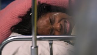 getlinkyoutube.com-Baby Born as a Giant Tornado Bears Down on Hospital