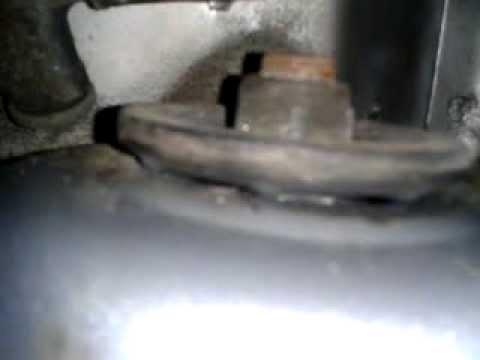 Расположение подшипника передней ступицы в Peugeot 306