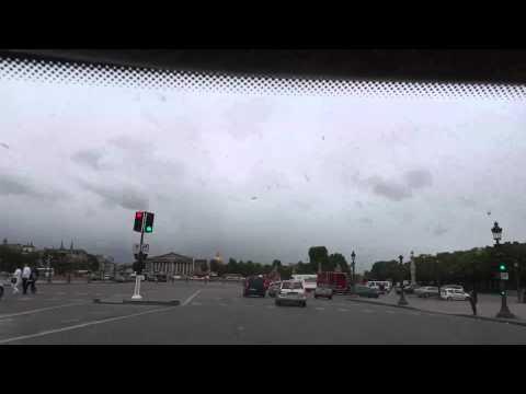 Лада Приора на улицах Парижа