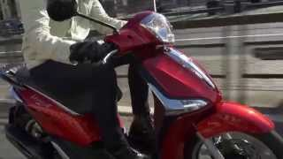 getlinkyoutube.com-Piaggio Liberty ADS Driving Video   AutoMotoTV